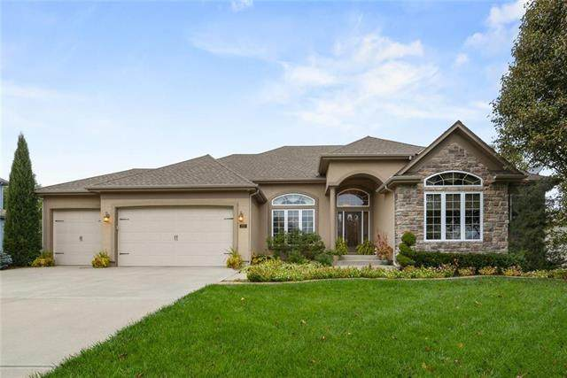 112 NW Burroughs Drive, Lee's Summit, MO 64081 (#2222710) :: The Shannon Lyon Group - ReeceNichols