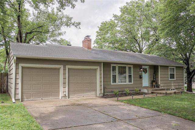 7757 Briar Drive, Prairie Village, KS 66208 (#2222778) :: Team Real Estate