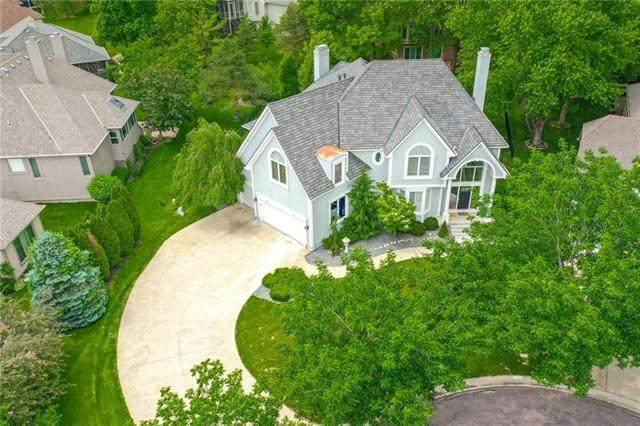 6126 W 128th Street, Overland Park, KS 66209 (#2222824) :: Dani Beyer Real Estate