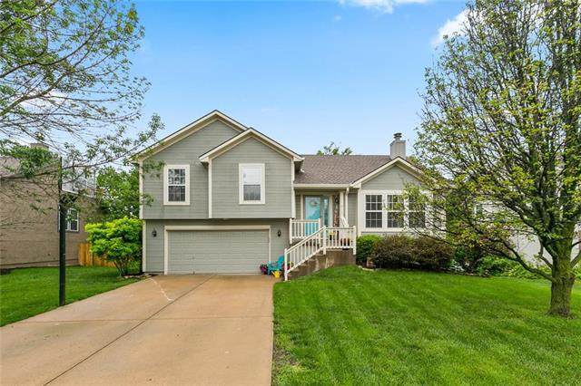 816 N Cottonwood Street, Gardner, KS 66030 (#2222852) :: Dani Beyer Real Estate