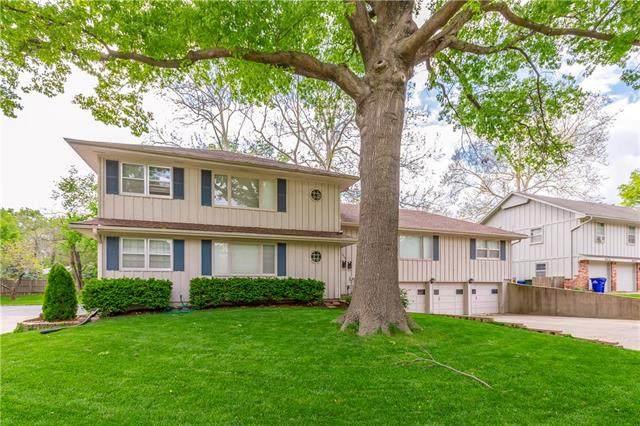 8428 Travis Lane, Overland Park, KS 66212 (#2222879) :: Dani Beyer Real Estate