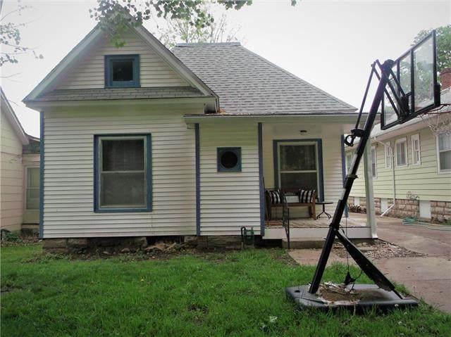 315 W 4th Avenue, Garnett, KS 66032 (#2222899) :: House of Couse Group