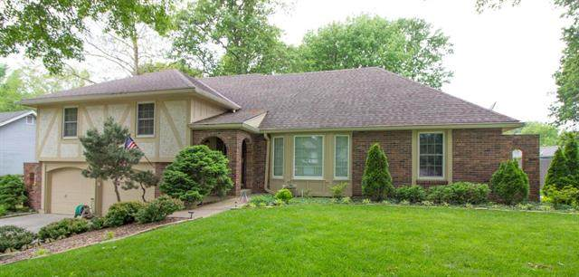 1205 NE Crestview Drive, Blue Springs, MO 64014 (#2222921) :: Ask Cathy Marketing Group, LLC