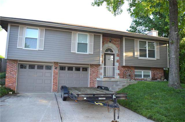 19112 E 13th Street, Independence, MO 64056 (#2222932) :: House of Couse Group