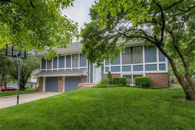 15400 W 80th Place, Lenexa, KS 66219 (#2222944) :: House of Couse Group
