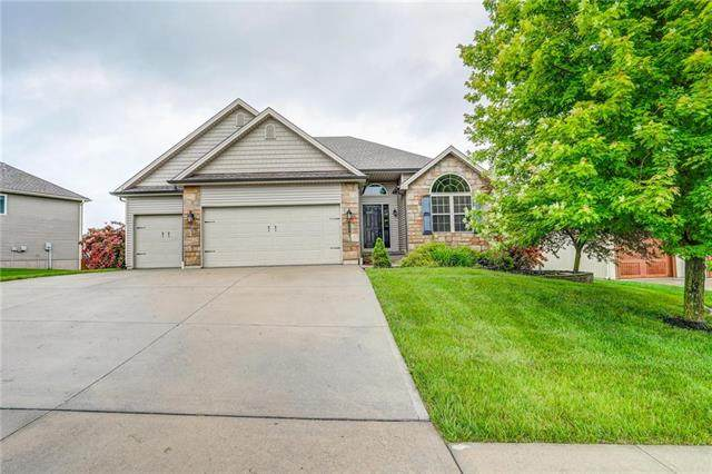707 Tomahawk Court, Smithville, MO 64089 (#2223063) :: House of Couse Group