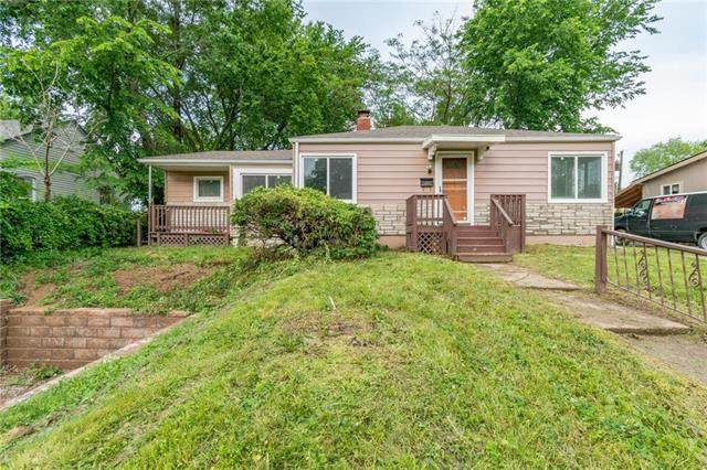 2305 S Hall Road, Independence, MO 64052 (#2223069) :: Team Real Estate