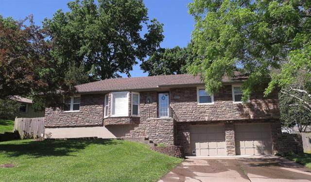 3008 S Cochise Drive, Independence, MO 64057 (#2223098) :: House of Couse Group