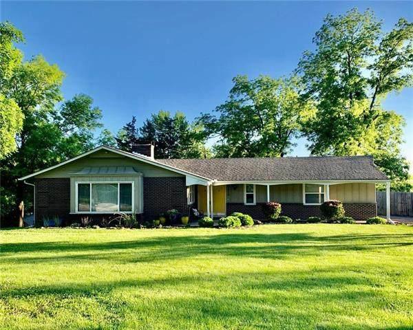 3813 NW 60th Street, Kansas City, MO 64151 (#2223111) :: Dani Beyer Real Estate