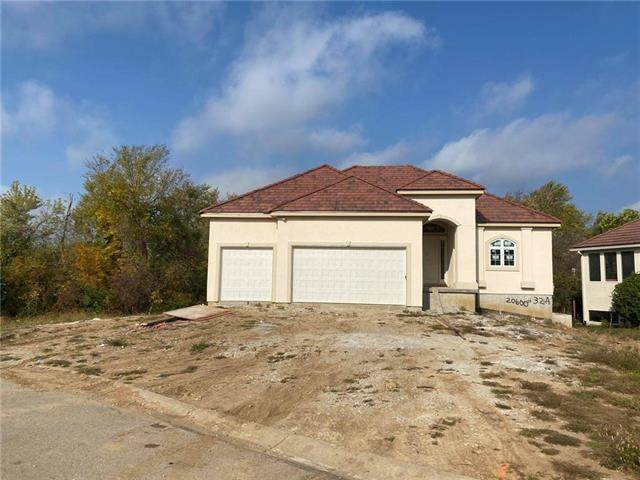 20600 E 37TH TERRACE Court, Independence, MO 64057 (#2223167) :: Edie Waters Network