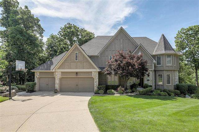 13812 Hemlock Street, Overland Park, KS 66223 (#2223178) :: House of Couse Group