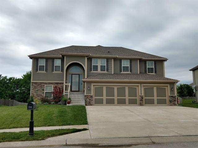 11042 N Jefferson Street, Kansas City, MO 64155 (#2223204) :: Dani Beyer Real Estate