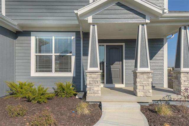 19028 W 168th Terrace, Olathe, KS 66062 (#2223228) :: Dani Beyer Real Estate