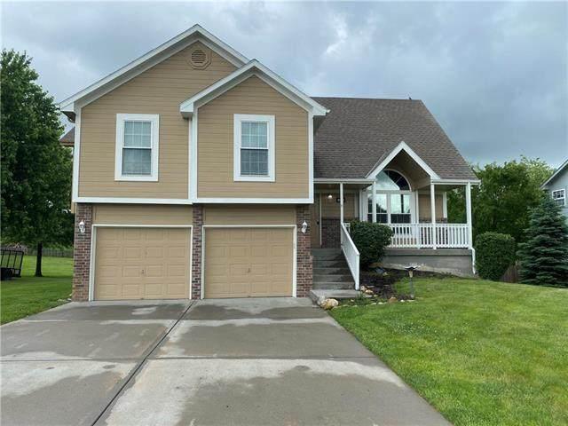 10301 N Cypress Avenue, Kansas City, MO 64156 (#2223230) :: Team Real Estate
