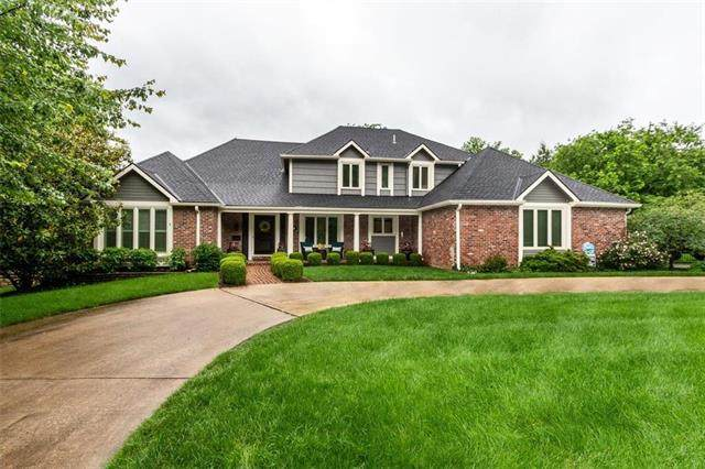 6718 Overhill Road, Mission Hills, KS 66208 (#2223327) :: The Shannon Lyon Group - ReeceNichols