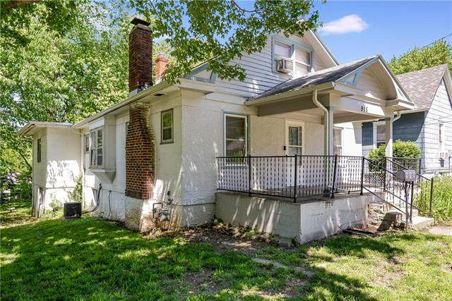 918 S Liberty Street, Independence, MO 64050 (#2223330) :: Edie Waters Network