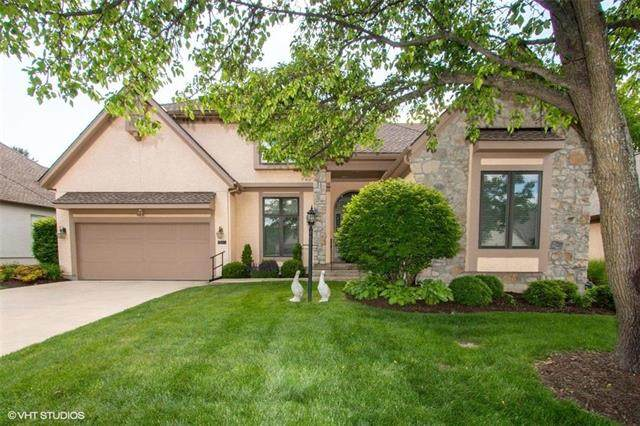 12714 Cedar Lane, Leawood, KS 66209 (#2223332) :: The Shannon Lyon Group - ReeceNichols
