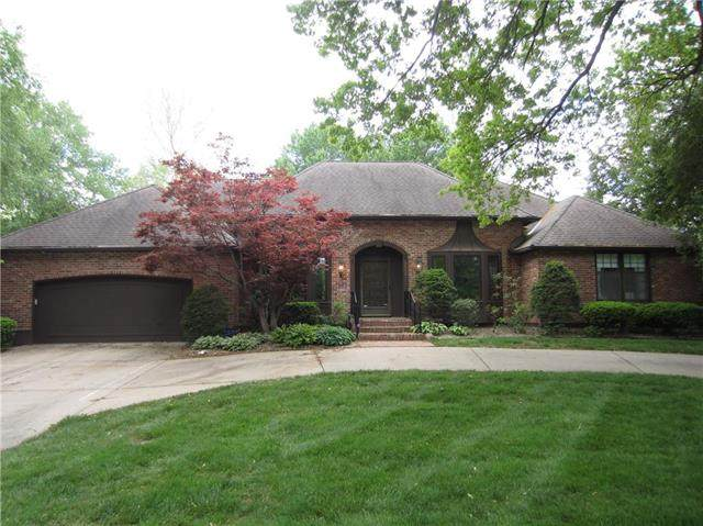 3215 W 83rd Street, Leawood, KS 66206 (#2223349) :: The Shannon Lyon Group - ReeceNichols