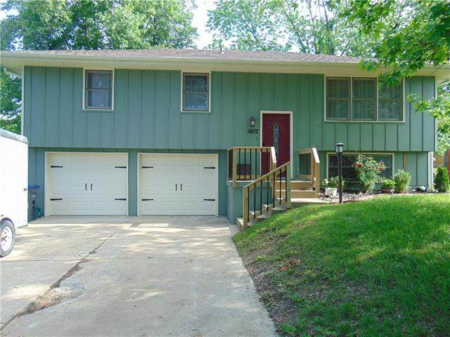 1402 Blueberry Drive, Harrisonville, MO 64701 (#2223412) :: Edie Waters Network