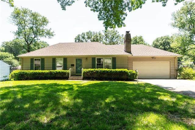 601 E 109th Street, Kansas City, MO 64131 (#2223462) :: Ron Henderson & Associates