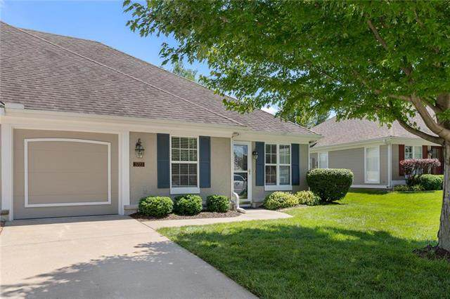 3723 S Bolger Court, Independence, MO 64055 (#2223511) :: Ron Henderson & Associates