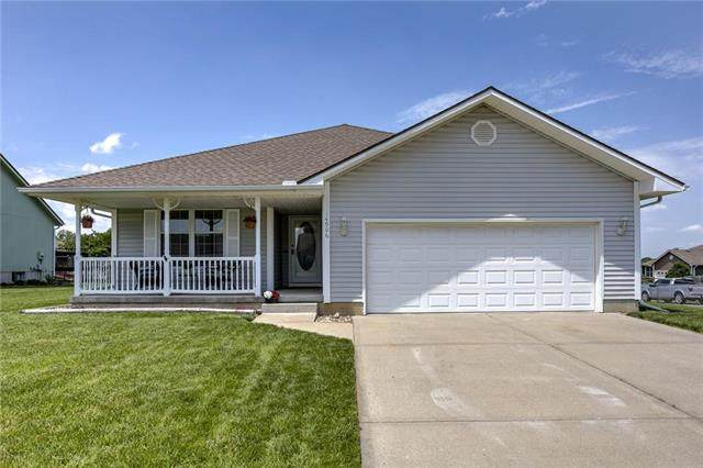14906 E 48th Terrace, Kansas City, MO 64136 (#2223556) :: Ron Henderson & Associates