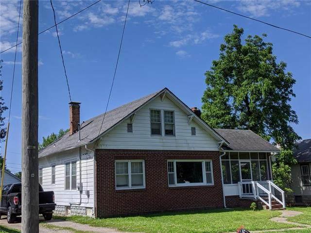320 W Gay Street, Warrensburg, MO 64093 (#2223610) :: Ron Henderson & Associates