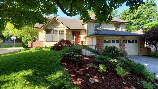 12715 W 101ST Street, Lenexa, KS 66215 (#2223619) :: Five-Star Homes
