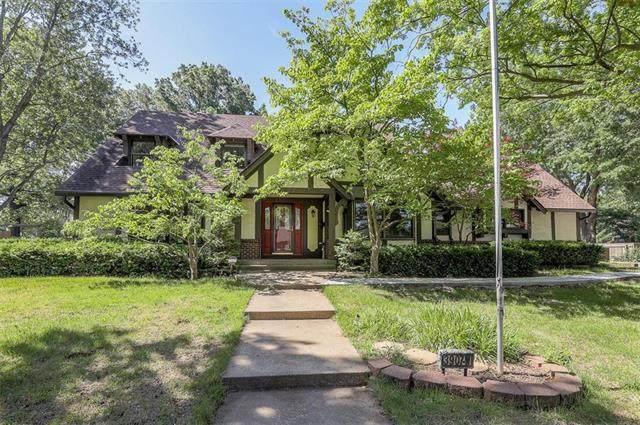 3907 W 92nd Terrace, Prairie Village, KS 66207 (#2223680) :: Ron Henderson & Associates