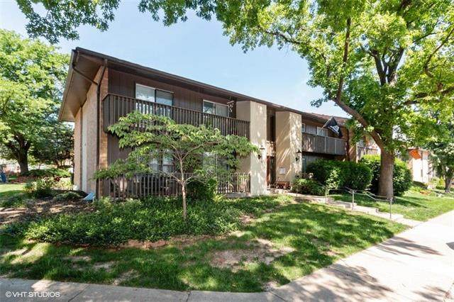 447 W 104TH Street D, Kansas City, MO 64114 (#2223705) :: House of Couse Group