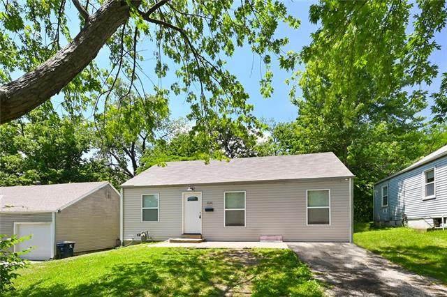 8024 Brooklyn Avenue, Kansas City, MO 64132 (#2223726) :: Ron Henderson & Associates