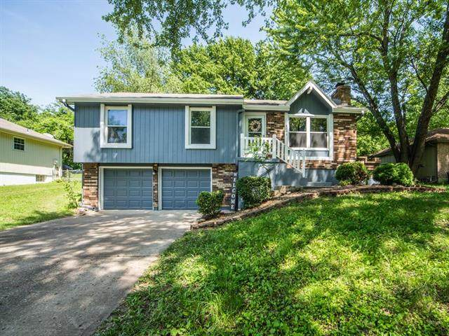 3008 SE 3rd Street, Blue Springs, MO 64015 (#2223811) :: Ron Henderson & Associates