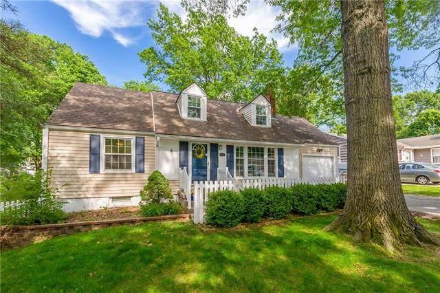 7407 Roe Avenue, Prairie Village, KS 66208 (#2223889) :: Ron Henderson & Associates
