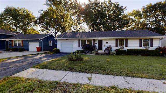4113 S River Boulevard, Independence, MO 64055 (#2223960) :: Ron Henderson & Associates