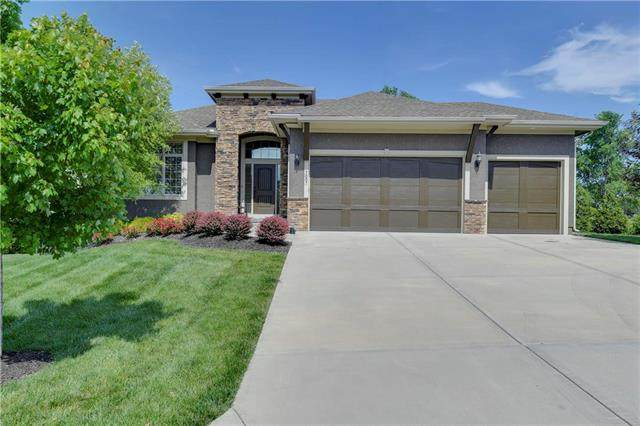 7007 Apache Drive, Shawnee, KS 66226 (#2223970) :: House of Couse Group