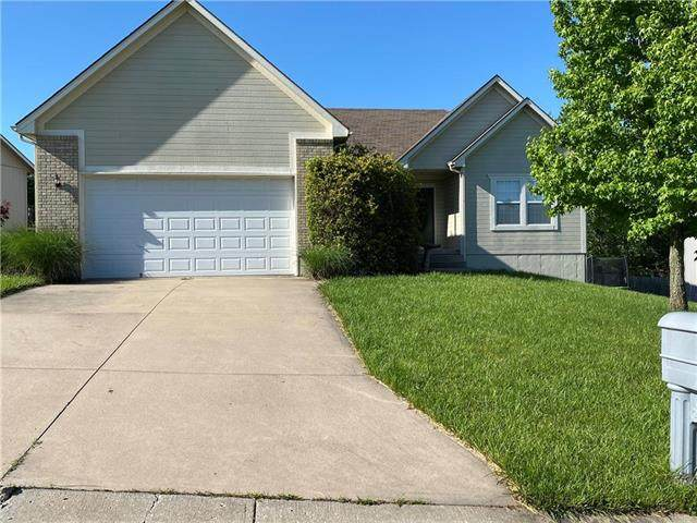 1136 SE Skyview Drive, Blue Springs, MO 64014 (#2223993) :: Team Real Estate