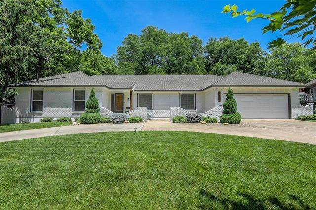 12609 Overbrook Road, Leawood, KS 66209 (#2224001) :: House of Couse Group