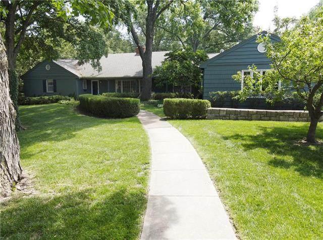 3817 W 65th Street, Mission Hills, KS 66208 (#2224019) :: Ron Henderson & Associates