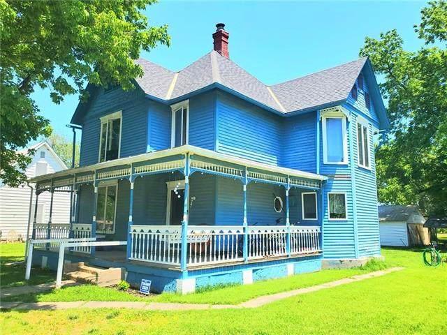 1304 High Street, Pleasanton, KS 66075 (#2224026) :: Ron Henderson & Associates