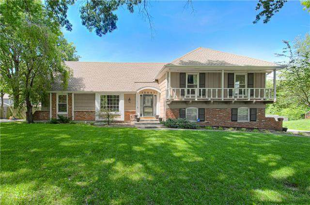 12647 Overbrook Road, Leawood, KS 66209 (#2224033) :: The Shannon Lyon Group - ReeceNichols