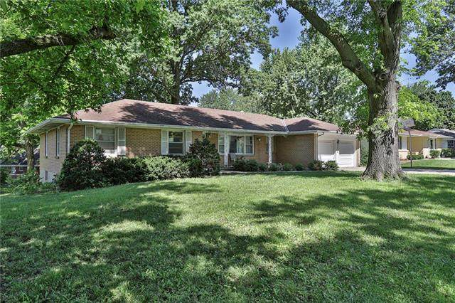 6100 Hunter Street, Raytown, MO 64133 (#2224039) :: The Gunselman Team