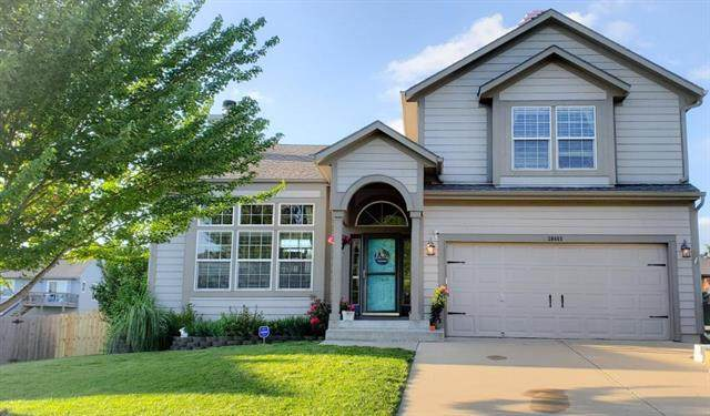 20468 W 221st Street, Spring Hill, KS 66083 (#2224124) :: House of Couse Group