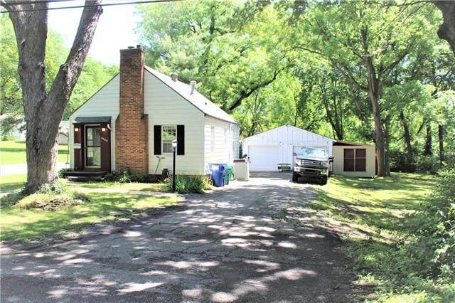 6009 Melrose Lane, Shawnee, KS 66203 (#2224129) :: Ron Henderson & Associates