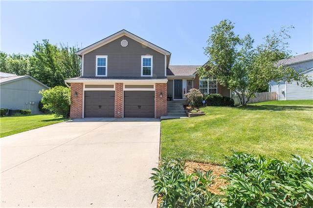 1723 NE Chowning Drive, Kansas City, MO 64155 (#2224168) :: Dani Beyer Real Estate