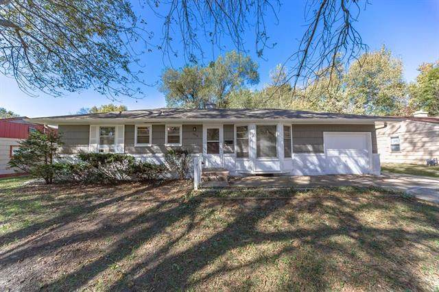 6810 E 98th Terrace, Kansas City, MO 64134 (#2224177) :: Dani Beyer Real Estate