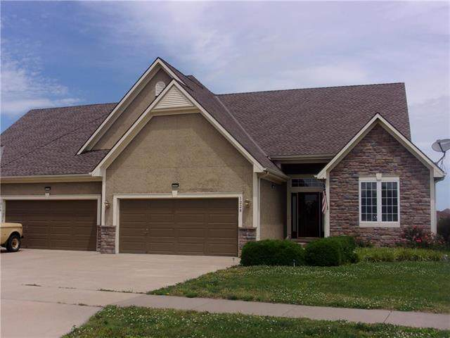 1228 Cottonwood Drive, Paola, KS 66071 (#2224221) :: House of Couse Group
