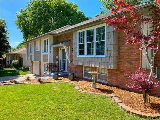 509 NW Manor Drive, Blue Springs, MO 64014 (#2224283) :: Team Real Estate