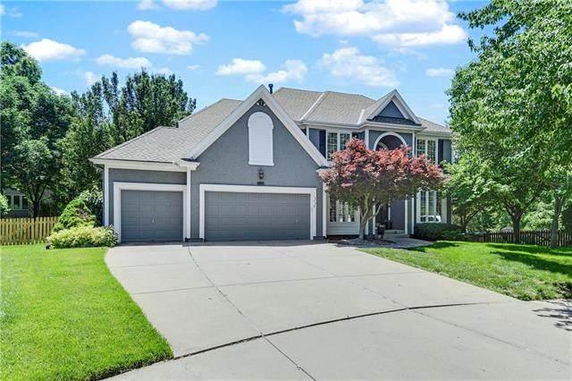 14740 Eby Street, Overland Park, KS 66221 (#2224311) :: Dani Beyer Real Estate