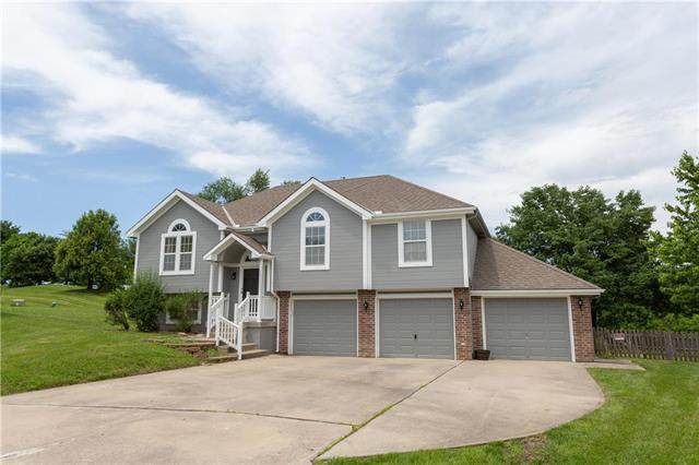 1602 Pine Creek Court, Raymore, MO 64083 (#2224356) :: Ron Henderson & Associates