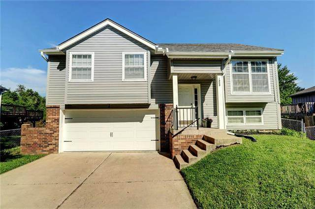 1403 N Hanover Avenue, Independence, MO 64056 (#2224393) :: House of Couse Group